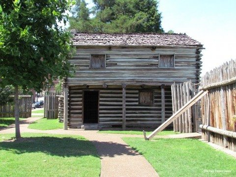 One of the cabins on the self-guided tour of Fort Nashborough in Nashville, TN. photo by Jenn at TheFunTimesGuide.com
