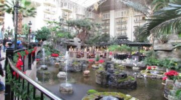 3 Things You Must Do When Visiting The Opryland Hotel In Nashville