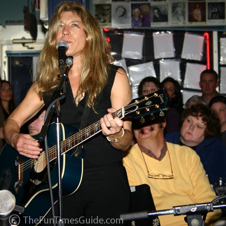 Ashley Cleveland giving it her all at the Bluebird in Nashville, Tennessee.