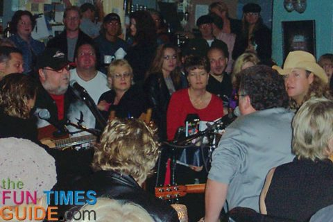 Bluebird cafe in the round with Bob DiPiero and others