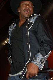 bobby-brown-dancing-wildhorse-saloon.jpg