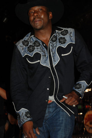 bobby-brown-signing-autographs.jpg