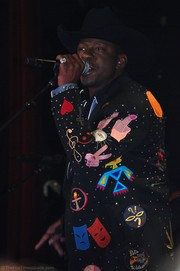bobby-brown-singing-nashville.jpg