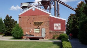 Boiler Room Theatre / Little Brick Theatre – A Fun Evening Out In Franklin, Tennessee