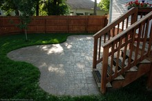 custom-hardscapes-patio-pavers.jpg