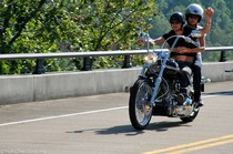 dierks-bentley-and-wife-on-motorcycle.jpg
