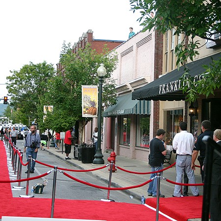 The red carpet premiere of 'Elizabethtown' at Franklin Cinema in Franklin, Tennessee.