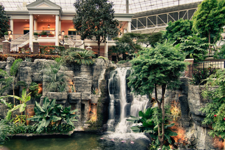 3 Things You Must Do When Visiting The Opryland Hotel In Nashville ...