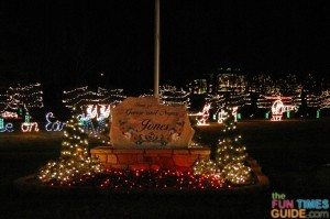 george-jones-christmas-lights.jpg