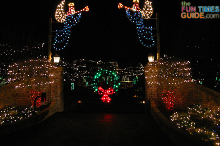 george jones house christmasjpg - Jellystone Park Nashville Christmas Lights
