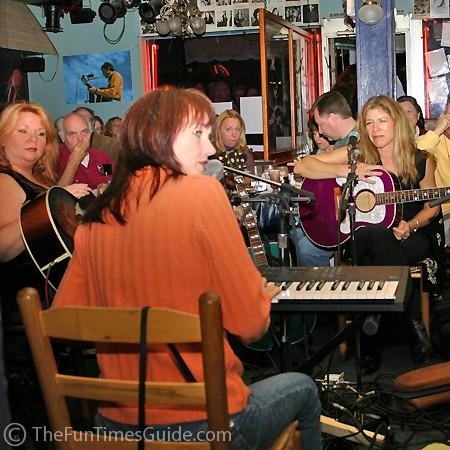A night of powerful chic singers at the Bluebird Cafe in Nashville.