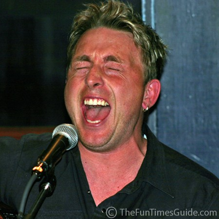 Johnny Reid singing at the Bluebird in Nashville.
