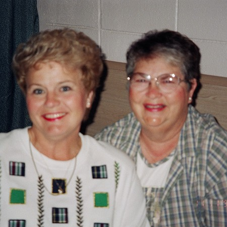 Lynnette's mom Kay and her friend Jane at their hotel in Pensacola.