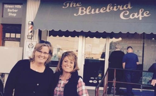 Nashville S Bluebird Cafe What It S Like The Franklin