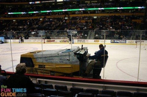 nashville-predators-hockey-zamboni