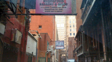 The History Of Nashville's Printers Alley + The Bars And Restaurants There Now