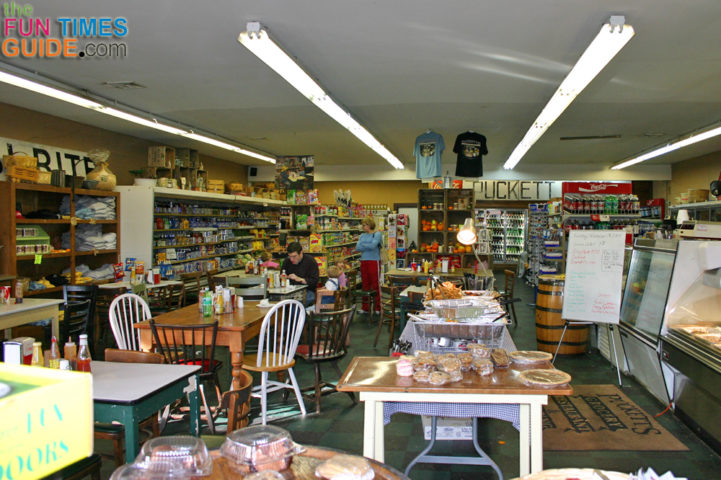 Downtown Franklin Tn >> Puckett's Grocery In Leipers Fork, Franklin & Nashville ...