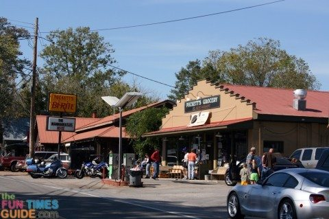 pucketts-grocery-leipers-fork-tn.jpg