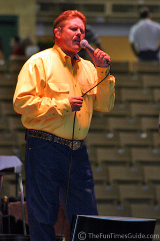Williamson County Sheriff Ricky Headley -- the singing sheriff.