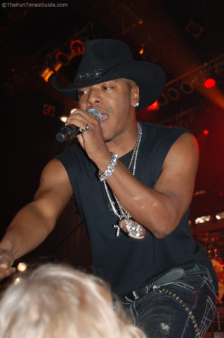 sisqo-singing-nashville-tennessee.jpg